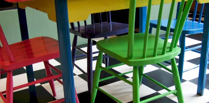 Autolakering af møbler - Stole, bordplader, skabe & reoler